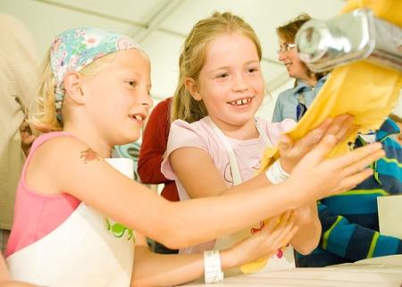 CHildren and routines, children help cook, children like jobs, chores and children